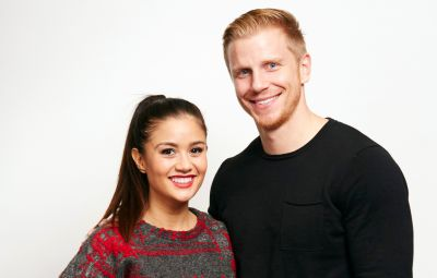 Bachelor Sean Lowe Smiles With Wife Catherine