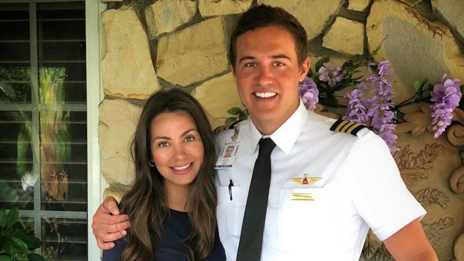 Bachelor Peter Weber Wears Pilot Uniform With Girlfriend Kelley Flanagan