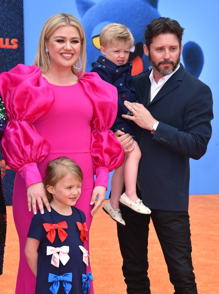kelly-clarkson-estranged-husband-brandon-blackstock-agrees-joint-custody