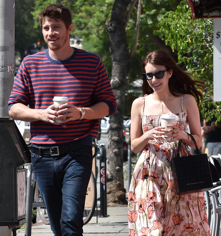 Who Is Emma Roberts Dating Meet Her Boyfriend Garrett Hedlund