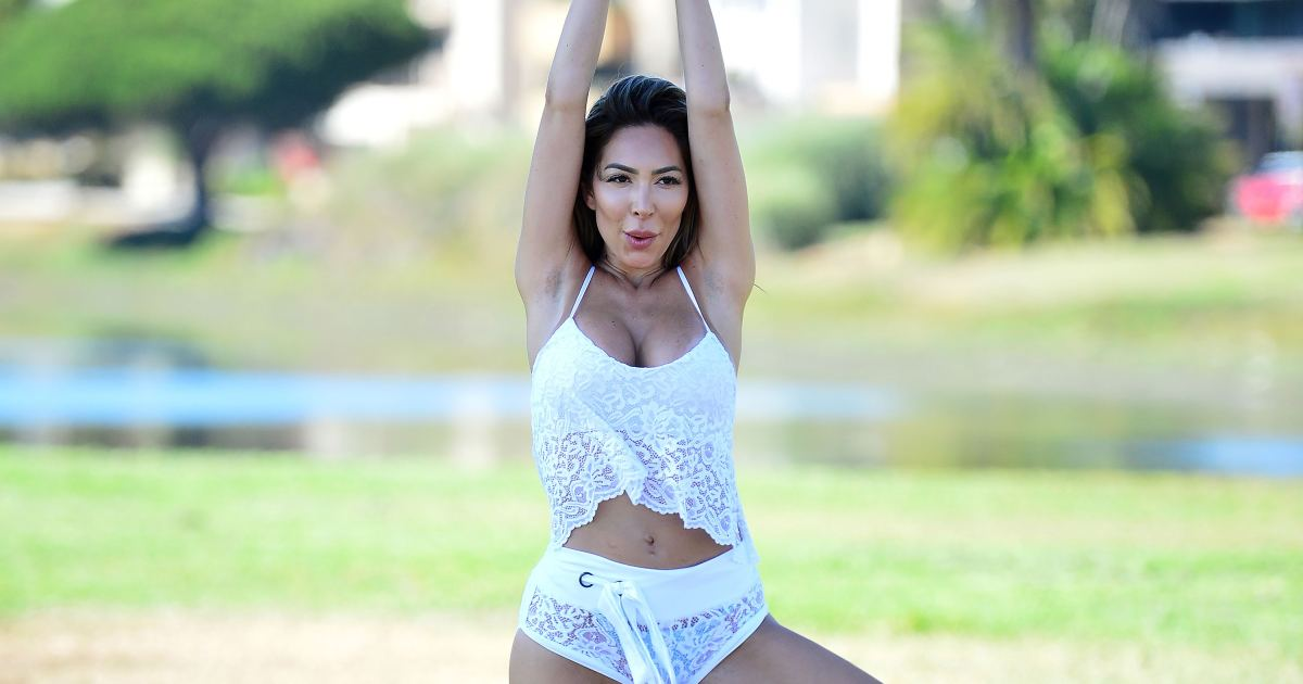 Farrah Abraham Does Yoga While Rocking a Lacy Workout Set: See Photos!