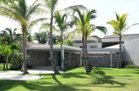 Kim Kardashian and Kanye Stay at Resort in Dominican Republic: Photos 2