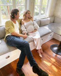 Emma Roberts Baby Bump With Garrett Hedlund