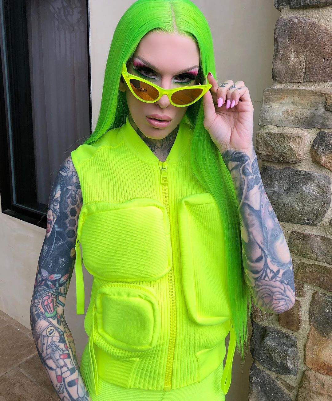 jeffree-star-goes-ig-official-with-mystery-man
