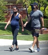 lea-michele-pregnant-baby-bump-husband-zandy-reich