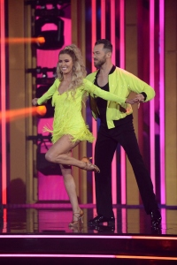 Dancing with the Stars Week 1 Scores Dances Costumes KAITLYN BRISTOWE, ARTEM CHIGVINTSEV