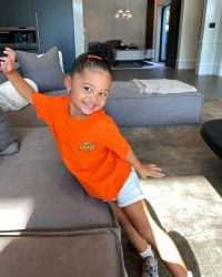 kylie-jenner-shares-smiley-photos-of-stormi