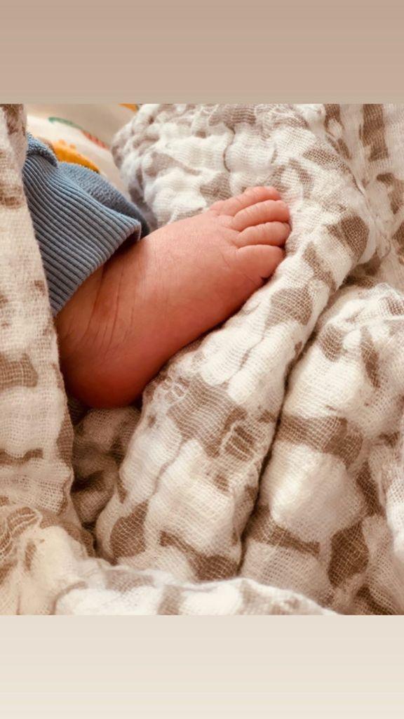 lea-michele-sneak-peek-baby-ever-nursery-foot