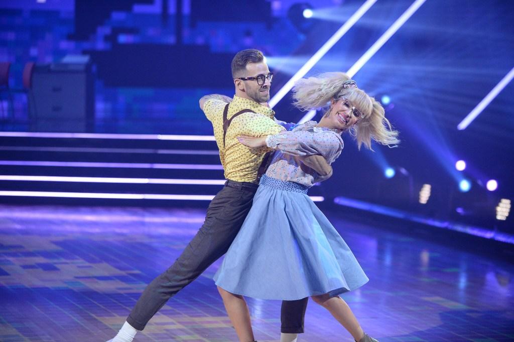 ARTEM CHIGVINTSEV, KAITLYN BRISTOWE Dancing With the Stars Tango 80s Week