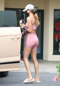 Hailey Bieber Flaunts Her Toned Figure While Leaving Hot Yoga in Beverly Hills