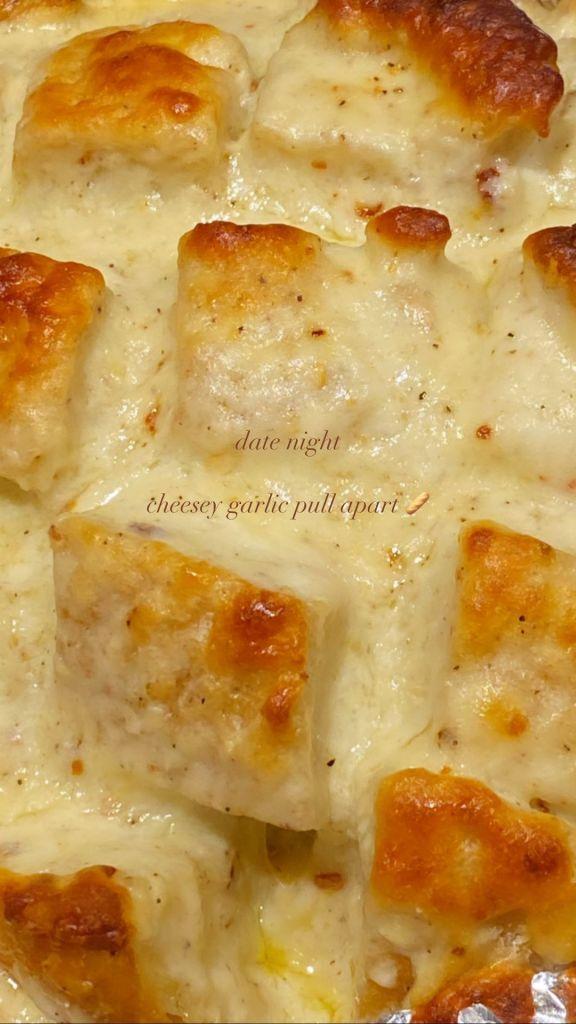 Gigi Hadid and Zayn Malik Date Night Cheesy Garlic Pull Apart Bread