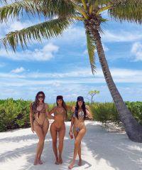 Kim Khloe Kourtney Kardashian in Bikini Birthday Trip to Tahiti