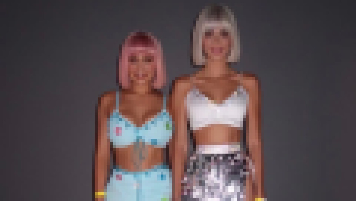 kylie-jenner-kendall-jenner-dress-as-themselves-young-for-halloween