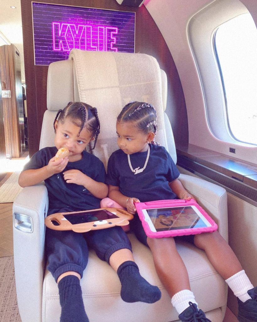 Khloe Kardashian's Daughter True Gives Cousin Stormi a Sweet Shout-Out While Unboxing Good American Shoes