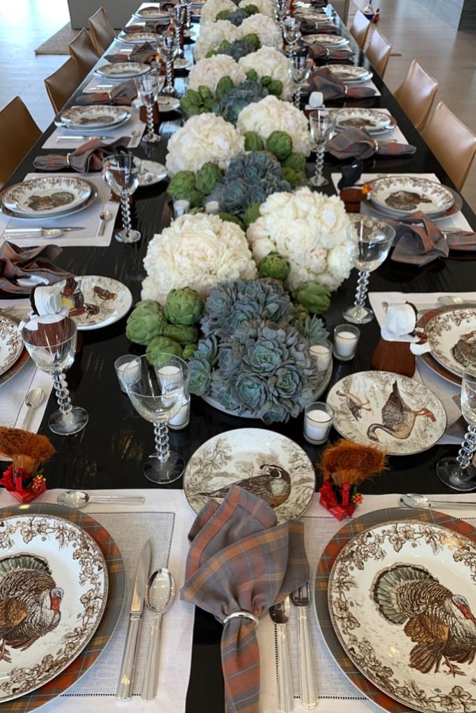 kourtney-kardashian-thanksgiving-table-setting