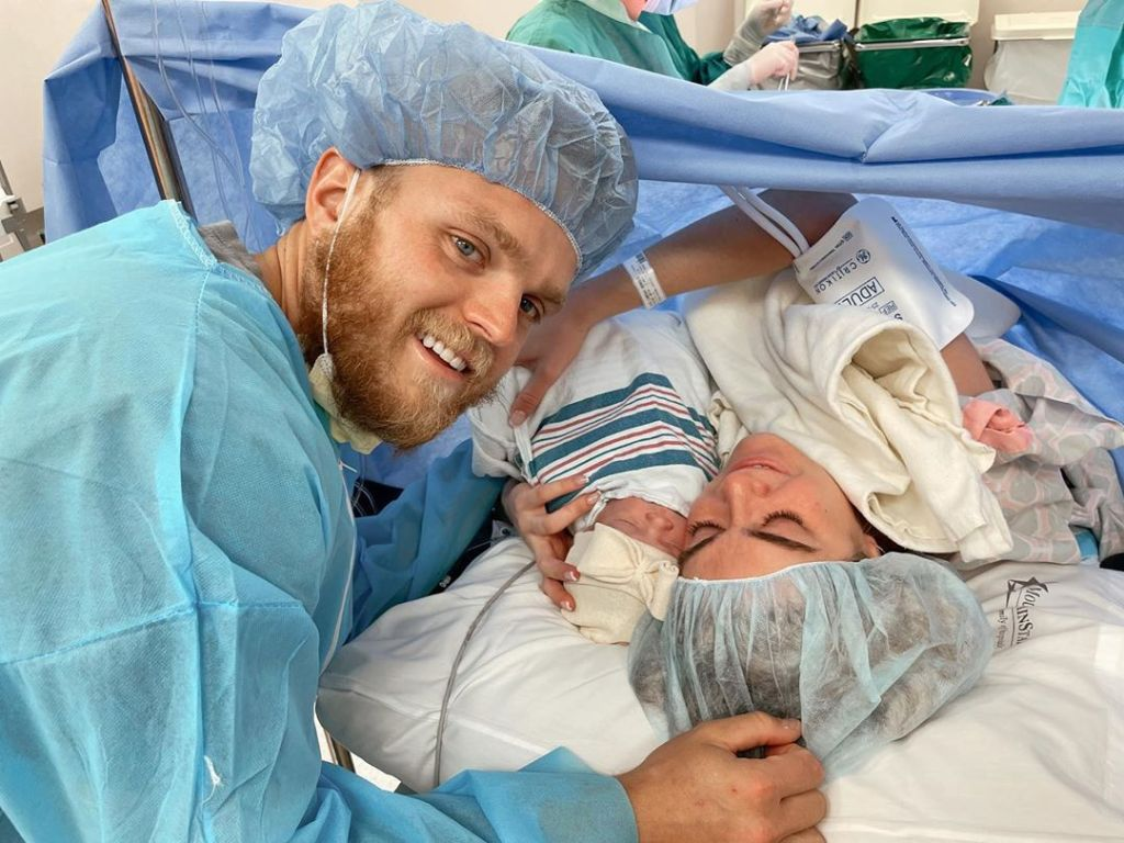 lindsay arnold gives birth