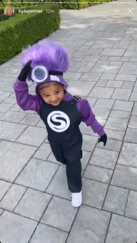 stormi-webster-minion-kardashian-halloween-costume-2020
