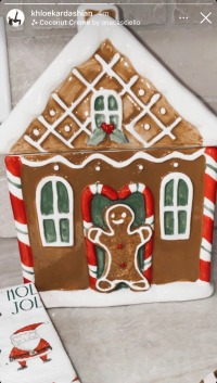 khloe-kardashian-christmas-decorations-2020-gingerbread-house-cookie-jar