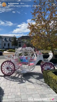 kylie-jenner-travis-scott-gift-stormi-cinderella-carriage-christmas-2020