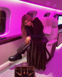 Kylie Jenner's Pink Kylie Cosmetics Plane: Photos and Price 3