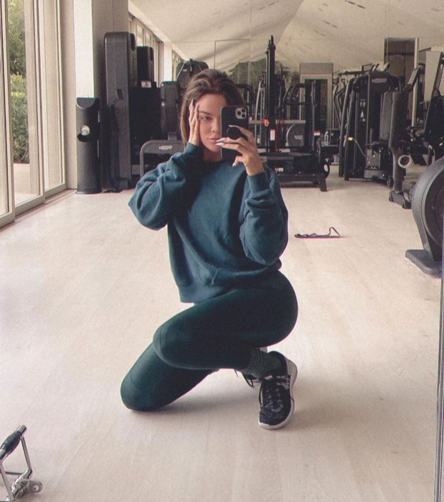 Fitness Goals! Khloe Kardashian Says She'll 'Be Ready' for Summer in New Workout Selfie