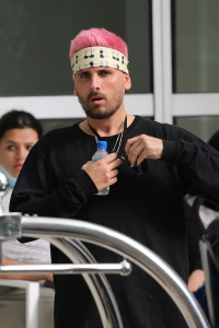 Scott Disick and Amelia Gray Leave Miami With His Kids: Photos 2