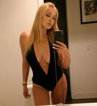 shanna-moakler-hottest-moments-travis-barker-ex-wife-plunging-one-piece