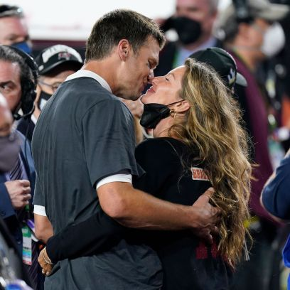 Tom Brady and Gisele Bundchen Kissing Photos After Super Bowl LV