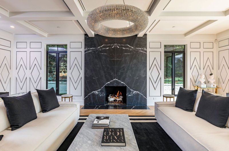 Rihanna buys Luxury Beverly Hills Mansion rihanna buys luxury beverly hills mansion Rihanna buys Luxury Beverly Hills Mansion Rihanna Buys 13 8 Million Dollar Beverly Hills Mansion 0006