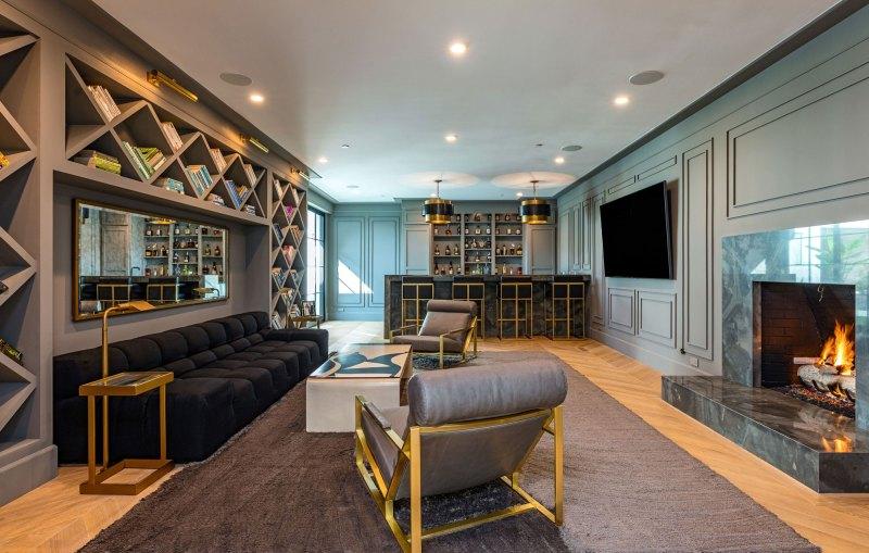 Rihanna buys Luxury Beverly Hills Mansion rihanna buys luxury beverly hills mansion Rihanna buys Luxury Beverly Hills Mansion Rihanna Buys 13 8 Million Dollar Beverly Hills Mansion 0007