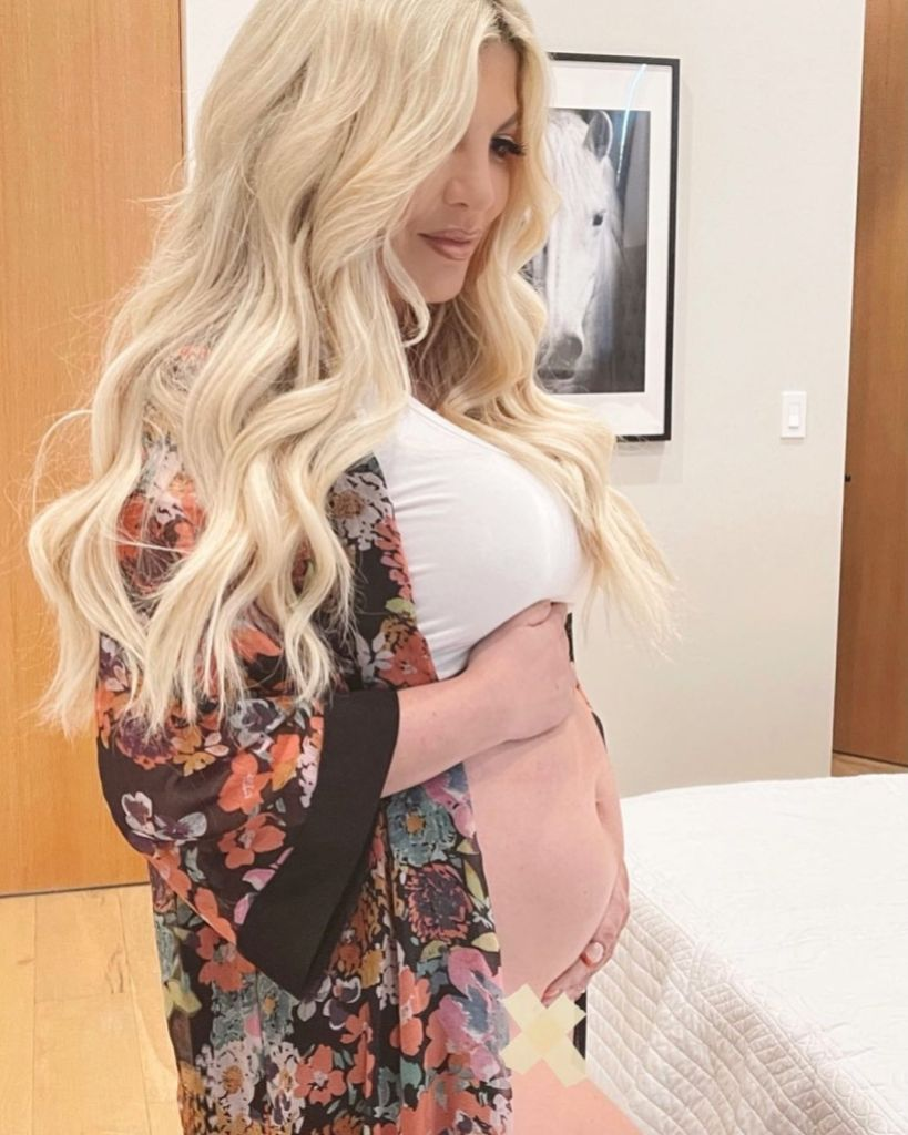Tori Spelling Teases Baby 'No. 6,' Pregnancy on April Fools' Day