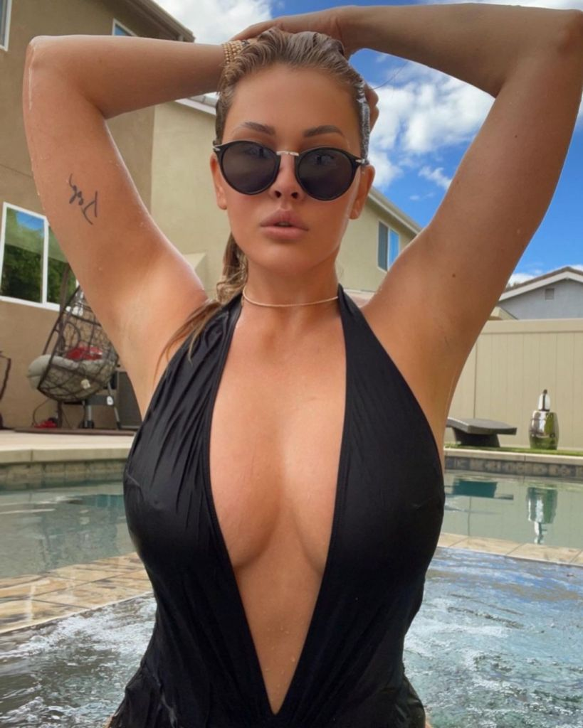 Travis Barker's Ex-Wife Shanna Moakler's Hottest Moments Will Blow Your Mind
