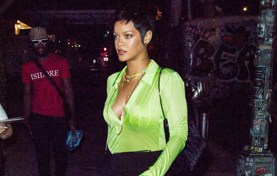 Bad Gal! Rihanna Flaunts Her Toned Legs in a Black Mini Skirt While Stepping Out in NYC