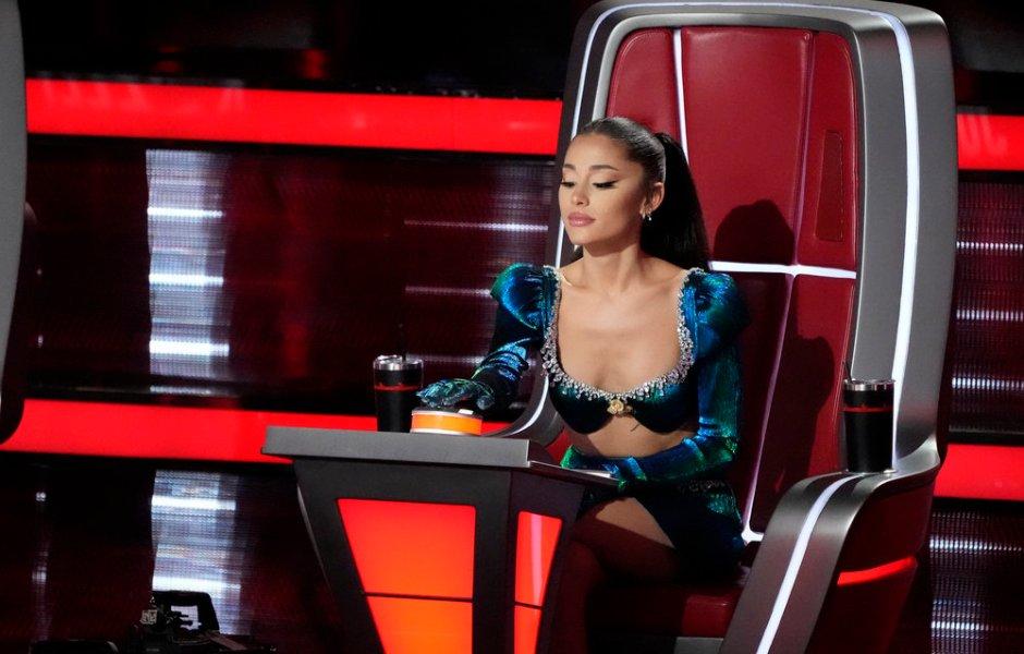 Ariana Grande The Voice Outfits Photos
