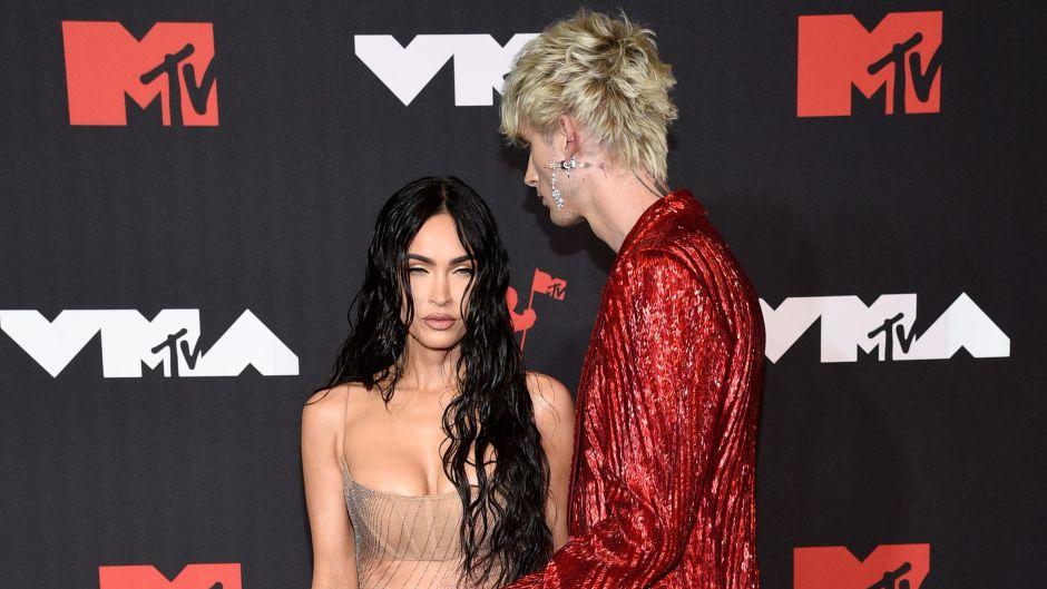 Machine Gun Kelly, Megan Fox 2021 MTV VMAs Red Carpet Photos 2
