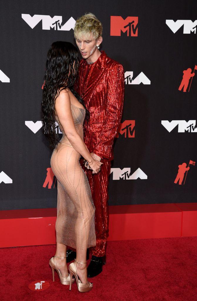 Machine Gun Kelly, Megan Fox 2021 MTV VMAs Red Carpet Photos 3