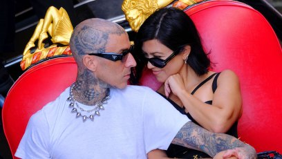 LS Kourtney Kardashian Travis Barker Propose Engagement