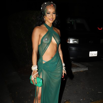 Photos of Your Favorite Stars Going Braless! Rihanna, Lady Gaga and More
